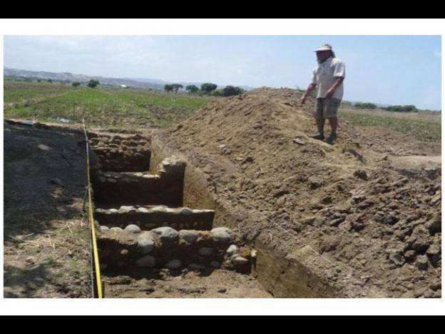 Archaeologists in Peru study Inca trail to the beach