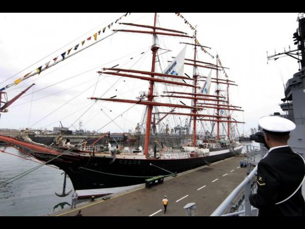 Peru welcomes Russia's Sedov tall ship