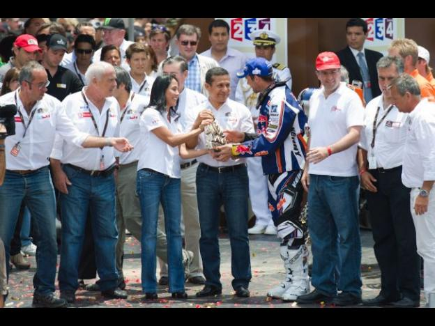 Peru's President Humala attends Dakar Rally awards ceremony