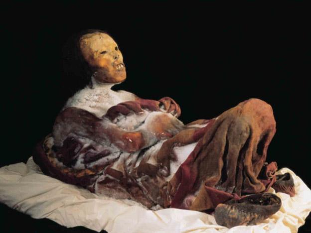 "Scientists plan DNA tests on Peru's ""Juanita"" mummy"