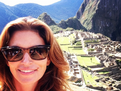 Cindy Crawford proving to be a model tourist