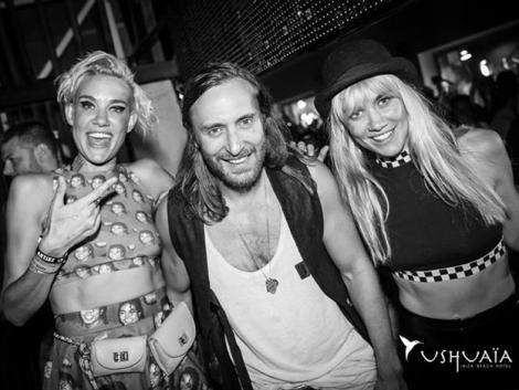 King David Guetta has left the stage - Creamfields 2014 (VIDEO)