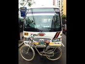 Battle of cyclist vs. combi has unexpected victor
