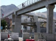 Lima short of bridges, in quantity and safety