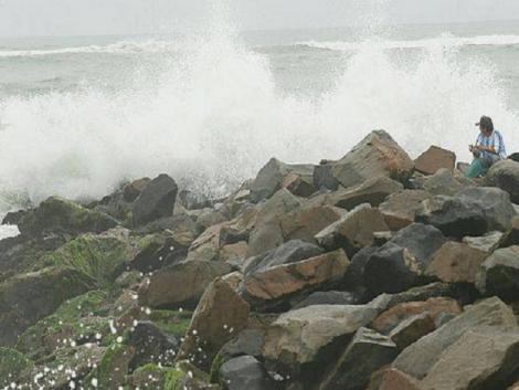 Costa Verde beaches close due to moderate waves