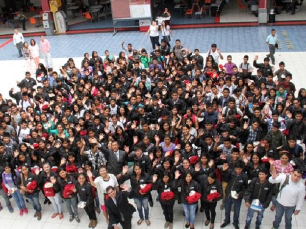 Two thousand youth of Beca 18 scholarships begin academic cycle
