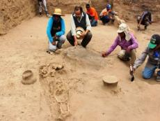 New pre-Inca tombs and Mochica temple found