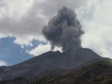 Experts predict eruptive activity at Ubinas volcano in coming days
