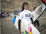 Peruvian surfer Sofia Mulanovich returns to the scene