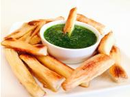 Recipe: Baked yuca fries with cilantro chimichurri