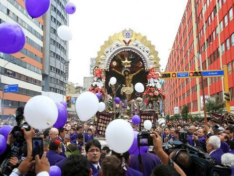 The first weekend of Señor de los Milagros (PHOTOS)