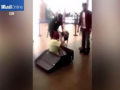 Unlucky day for man attempting to leave Peru in a suitcase (VIDEO)