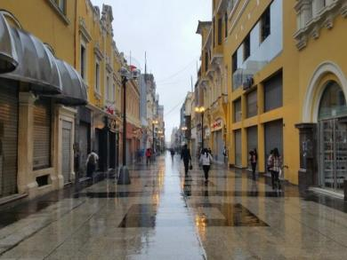 A drizzly Wednesday morning in Lima (PHOTOS)