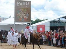 "Smithsonian: ""Peruvian-ness in the United States"""