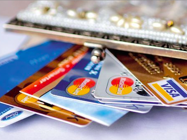 Top 3 banks and credit cards for US expats