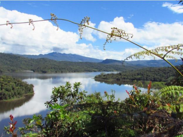 Travel to the Amazonas region and visit: Huamanpata Lake
