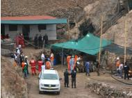 Arequipa: 7 miners trapped after landslide
