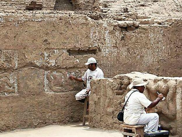 Trujillo: 3 tombs found near Huaca de la Luna